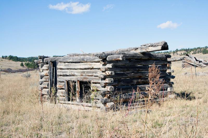 Old log cabin_SS85222