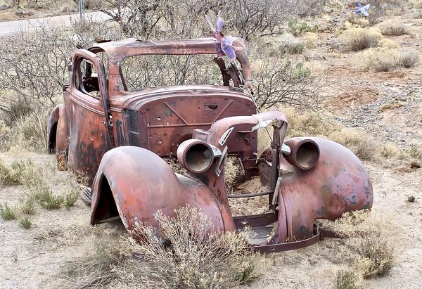 Remains of historic vehicle at Cordes (2018)