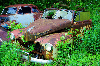 Old car, I think it's a Buick