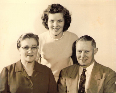 Manfred and Hope Askew with daughter Ruth