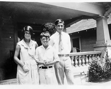 Lucy, Marvin & Oscar Hart