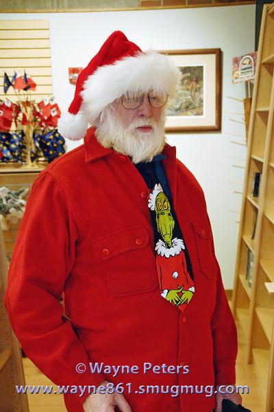 Art shows his Christmas spirit!