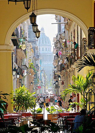 13-DowntownCuba_by_Larry_B