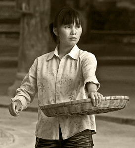 11-Zhouxing_Woman_by_David