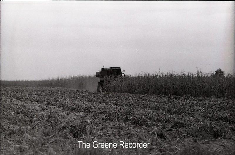1979 combining corn 684