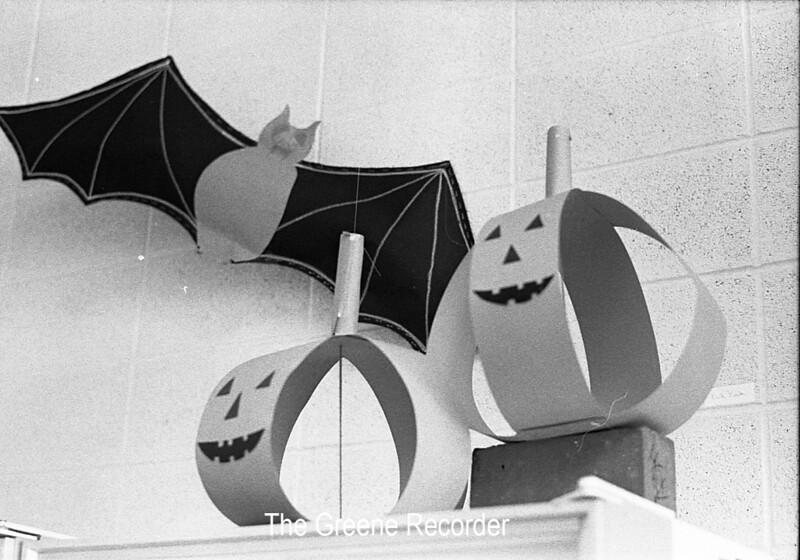 1973 sheet 46B Halloween decoration 174