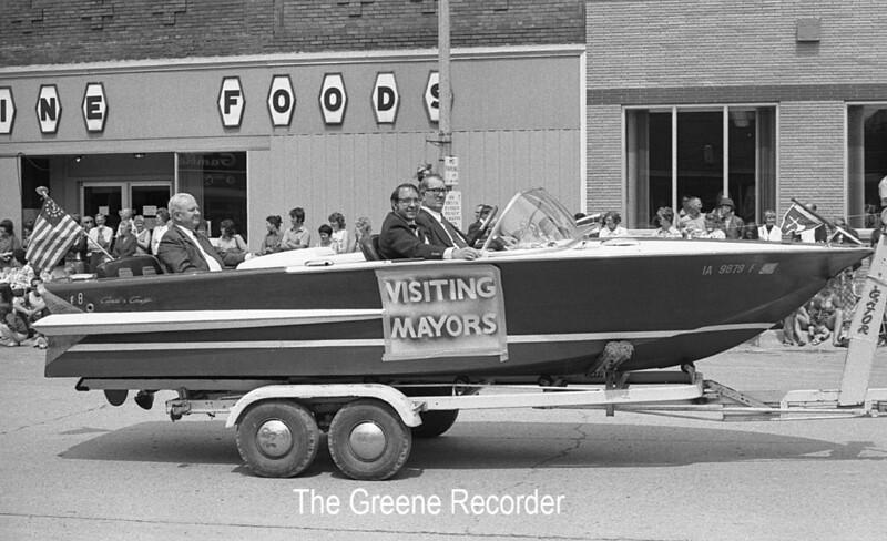 1974 Rd Parade 301Visiting Mayors