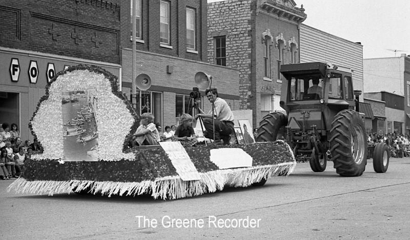 1974 RD Parade 365 Hawker photog