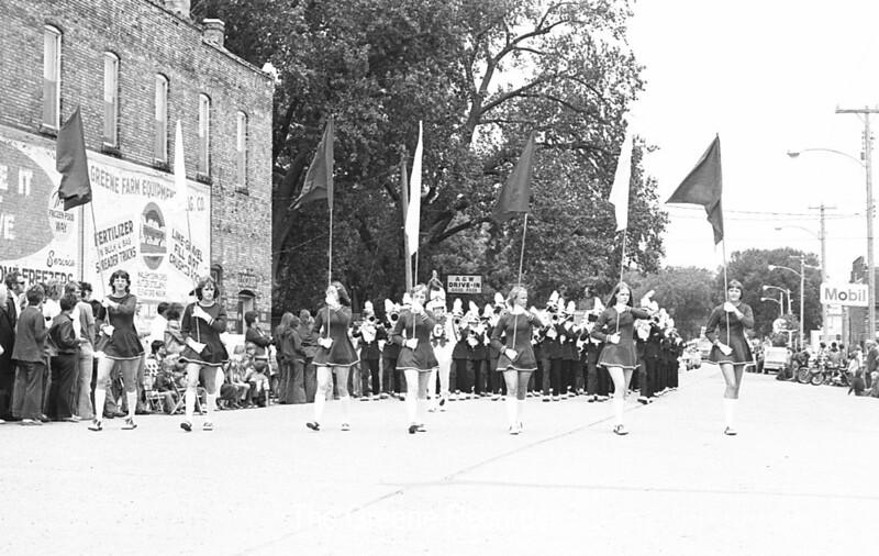 1974 RD Parade 371 Band Flag girls