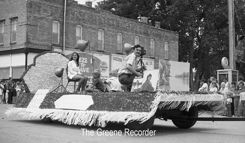 1974 RD Parade 363 Hawker photography