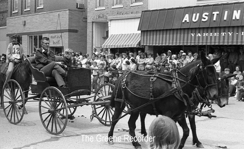 1974 RD Parade 319horses