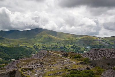 looking the other way is the Mills level, the bootom of the A5 incine and in the distance Moel Elio