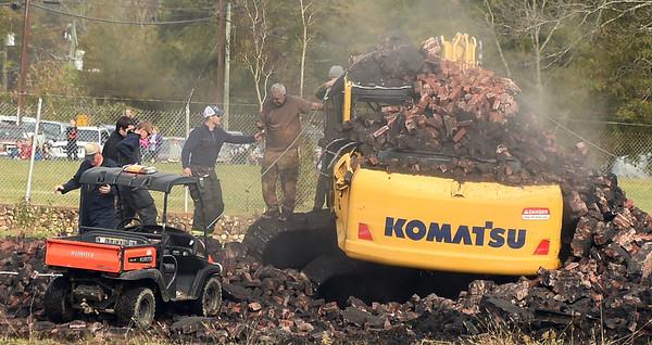 2015-11-24 Smoke stack demolition fail