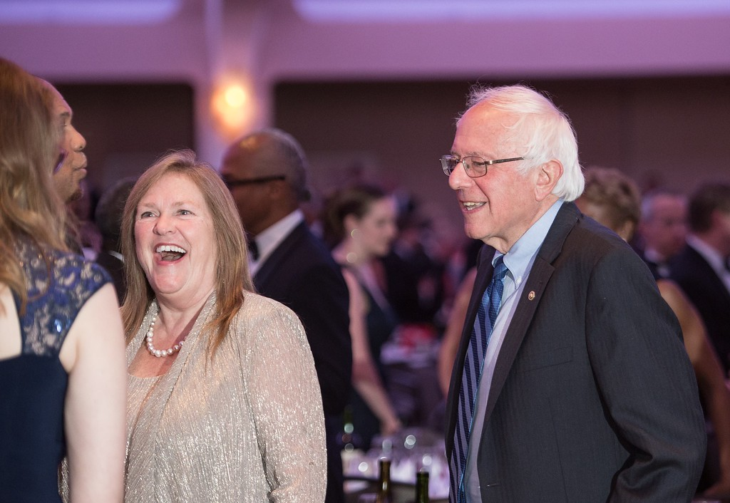 . US Democratic presidential candidate Bernie Sanders (R) and his wife Jane attend the 102nd White House Correspondents\' Association Dinner in Washington, DC, on April 30, 2016. / AFP PHOTO / NICHOLAS KAMM/AFP/Getty Images