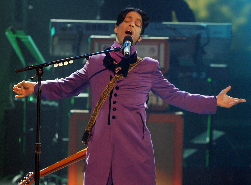 . Musician Prince performs the Chaka Khan tribute onstage at the 2006 BET Awards at the Shrine Auditorium on June 27, 2006 in Los Angeles, California.  (Photo by Frazer Harrison/Getty Images)