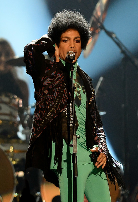 . Recording artist Prince performs during the 2013 Billboard Music Awards at the MGM Grand Garden Arena on May 19, 2013 in Las Vegas, Nevada.  (Photo by Ethan Miller/Getty Images)
