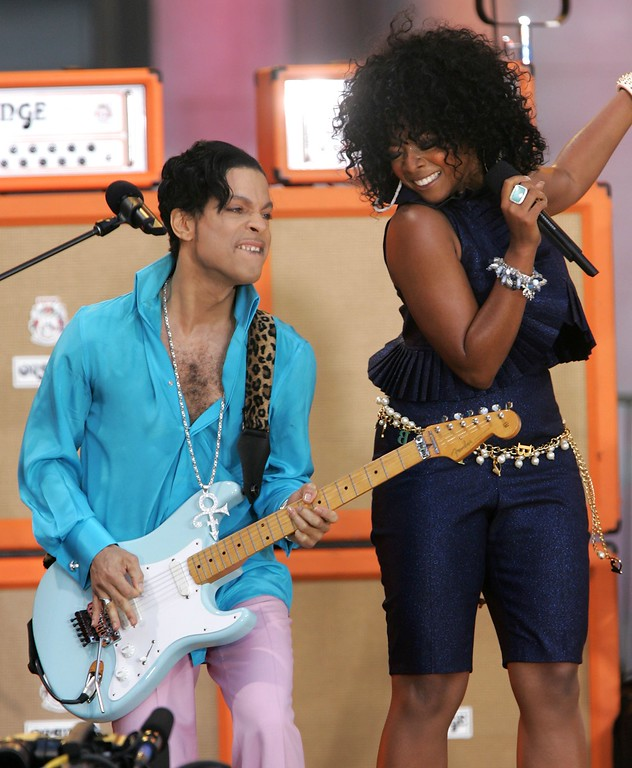 . Singers Prince and Tamar perform on ABC\'s Good Morning America Concert Series in Bryant Park on June 16, 2006 in New York City.  (Photo by Peter Kramer/Getty Images)