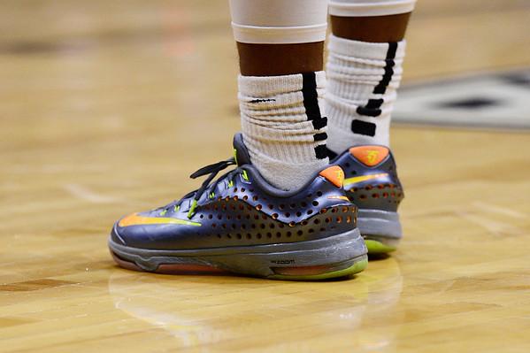 2016-03-12 Basketball shoes