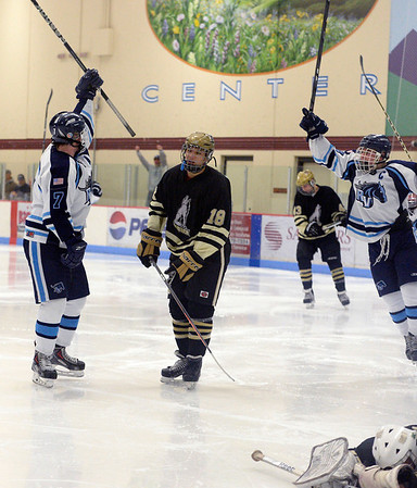2014-01-14 Ralston Valley Monarch hockey