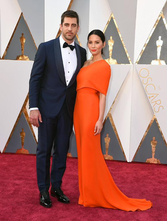 . Aaron Rodgers, left, and Olivia Munn arrive at the Oscars on Sunday, Feb. 28, 2016, at the Dolby Theatre in Los Angeles. (Photo by Jordan Strauss/Invision/AP)