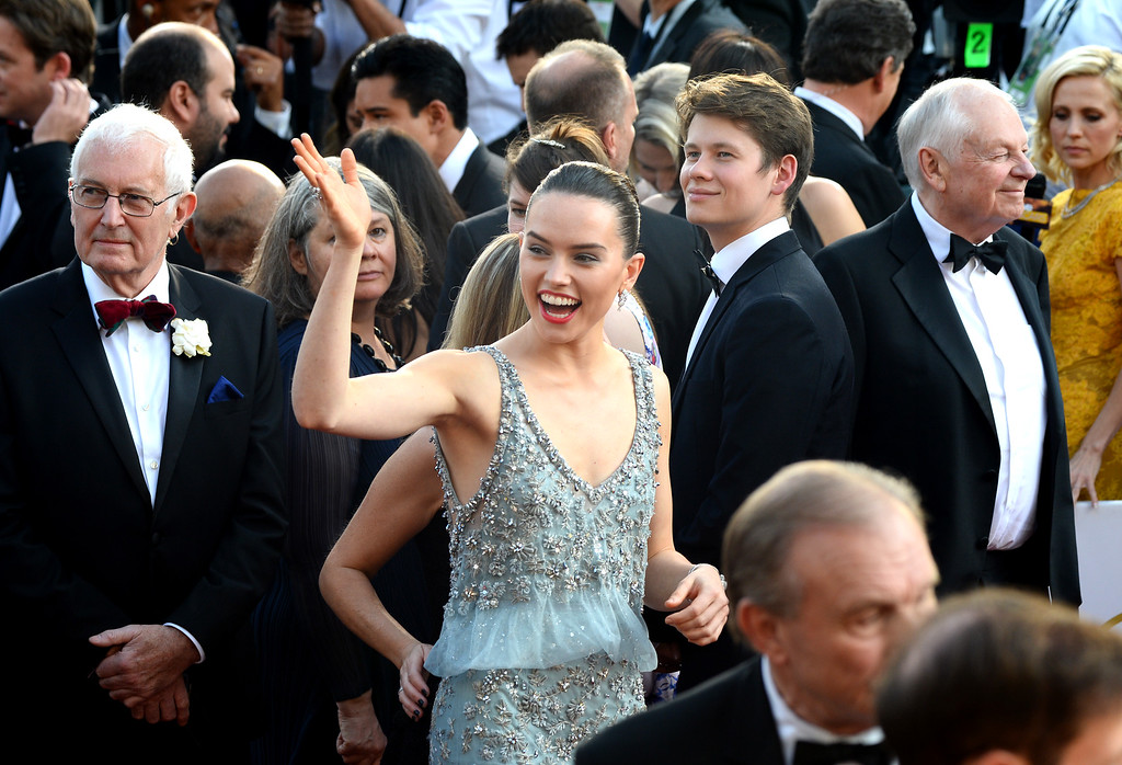 . Daisy Ridley arrives at the Oscars on Sunday, Feb. 28, 2016, at the Dolby Theatre in Los Angeles. (Photo by Al Powers/Invision/AP)