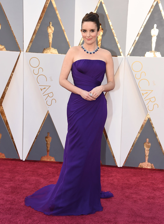 . Tina Fey arrives at the Oscars on Sunday, Feb. 28, 2016, at the Dolby Theatre in Los Angeles. (Photo by Jordan Strauss/Invision/AP)