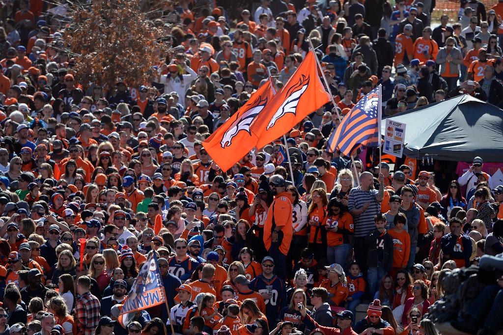 . Denver Broncos fans swarm Colfax and Broadway during the Denver Broncos Super Bowl 50 celebration parade February 07, 2016. (Photo by Andy Cross/The Denver Post)