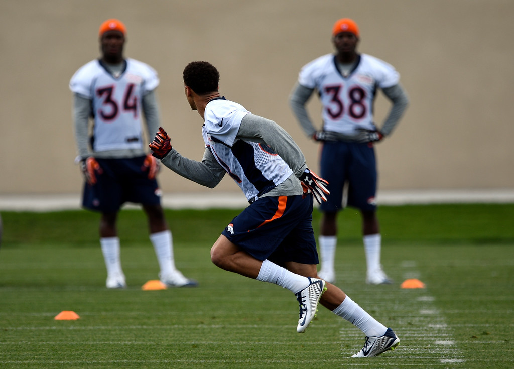 . Denver Broncos Justin Simmons (31) runs through drills during rookie minicamp May 6, 2016 at UCHealth Training Facility. (Photo By John Leyba/The Denver Post)