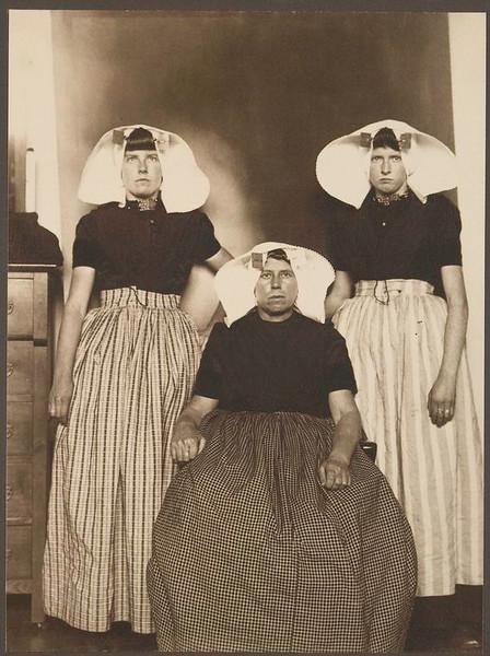 . Three Dutch women. (Photo by Augustus Sherman)