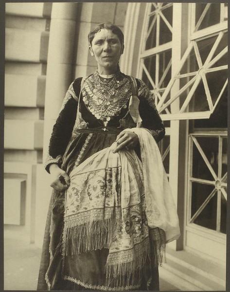 . Greek woman. (Photo by Augustus Sherman)