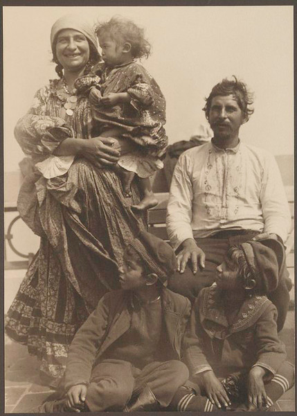 . Gypsy family. (Photo by Augustus Sherman)