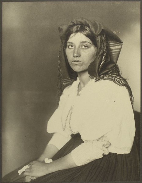 . Italian woman. (Photo by Augustus Sherman)