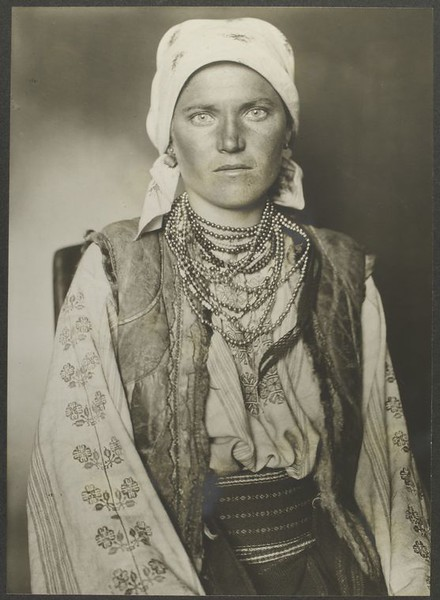 . Ruthenian woman. (Photo by Augustus Sherman)