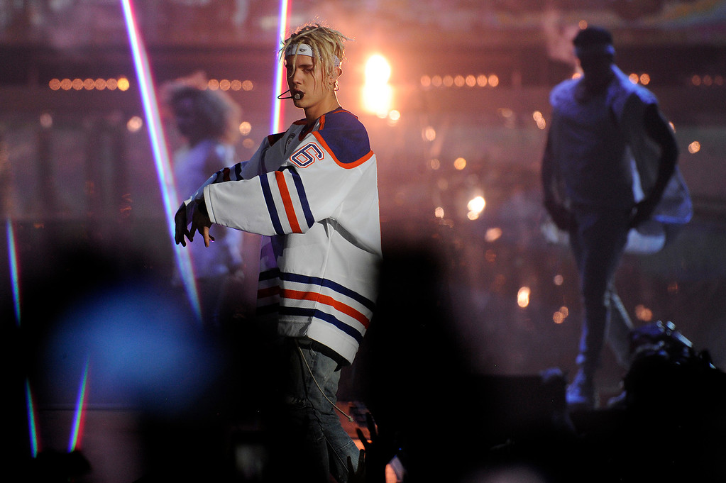 . DENVER, CO - APRIL 4: Justin Bieber performs at the Pepsi Center in Denver, Colorado on April 4, 2016. (Photo by Seth McConnell/The Denver Post)