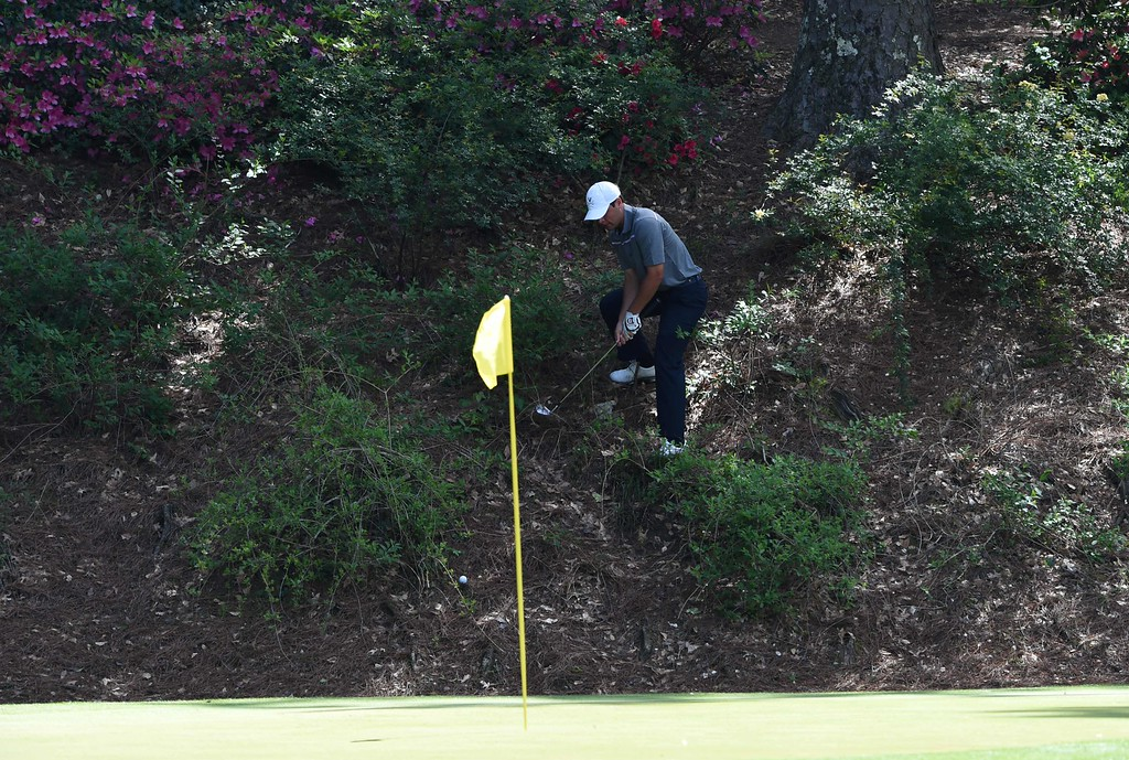 . US golfer Derek Bard prepares to shot on the 12th green during Round 2 of the 80th Masters Golf Tournament at the Augusta National Golf Club on April 8, 2016, in Augusta, Georgia. / AFP PHOTO / DON  EMMERT/AFP/Getty Images