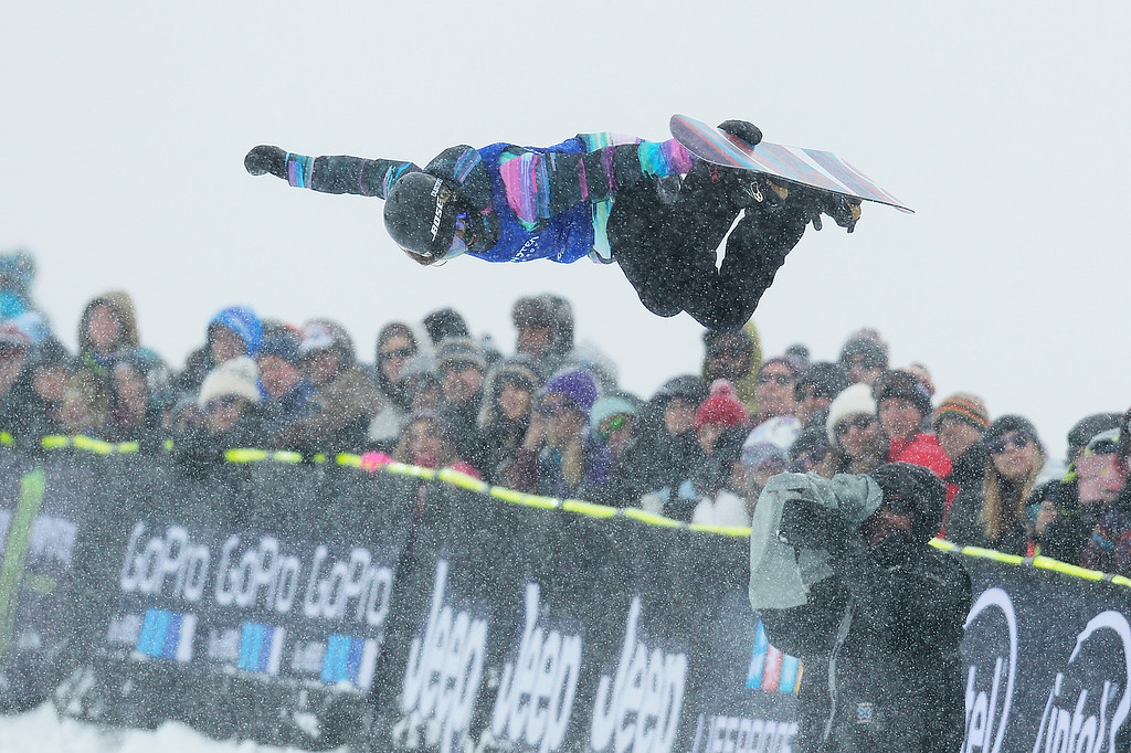 . ASPEN, CO - JANUARY 31: Kelly Clark does a grab in her first run during the women\'s snowboard halfpipe finals at Winter X Games 2016 at Buttermilk Mountain on January 31, 2016 in Aspen, Colorado. Chloe Kim won the event with a score of 95, giving Kim her second gold medal and third overall. (Photo by Brent Lewis/The Denver Post)