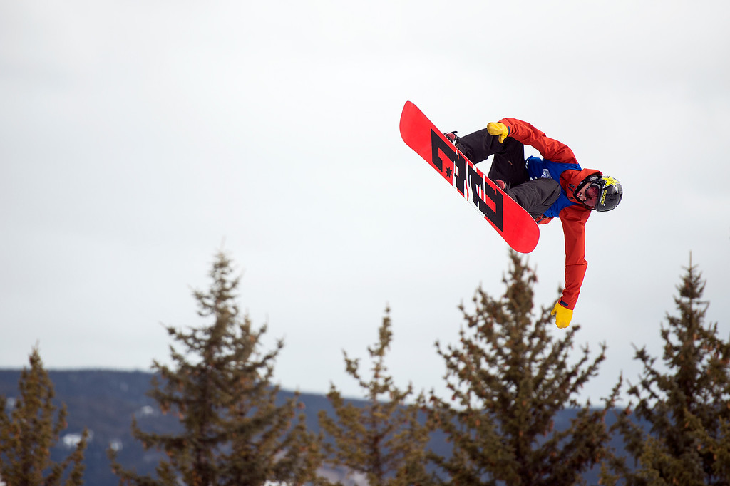 . Mons Røisland hits the final jump of his final run in the men\'s snowboard slopestyle at Winter X Games 2016 Aspen at Buttermilk Mountain on January 30, 2016, in Aspen, Colorado. Røisland finished third overall in the event with a score of 86.33. (Photo by Daniel Petty/The Denver Post)