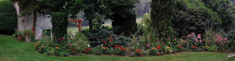 gardenpanorama_15july02_