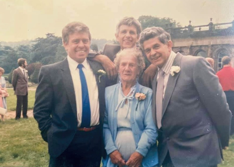 Bothers Albert, George & Ron with their Aunt Essie (Florence Finlay's Sister)