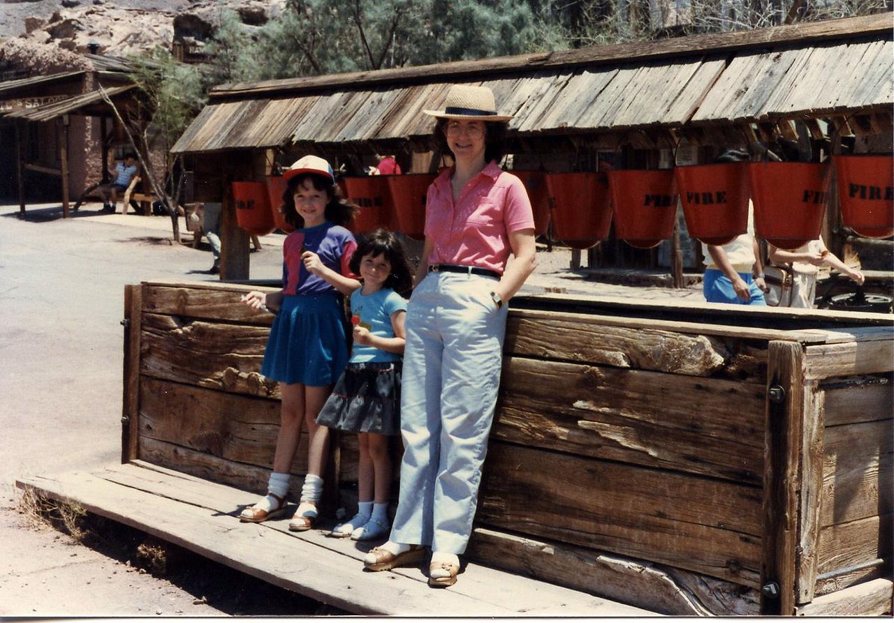 1047 Ibi Ann Danya Calico Ghost Town 1984_06