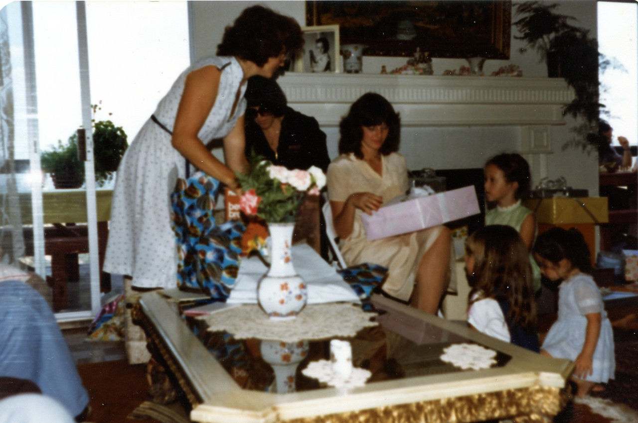 1981ca Rhonda shower
