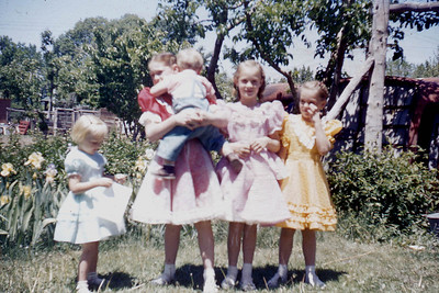 Toni Johnson, Leanna holding Curtis, Evelyn and Margaret Baadsgaard.  Spanish Fork, 1950s