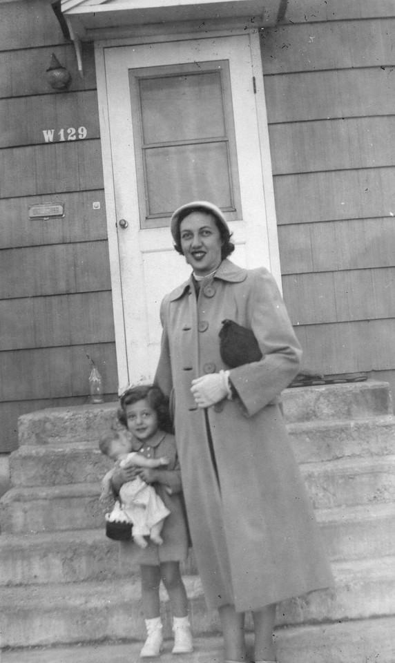 141 Esther 1952