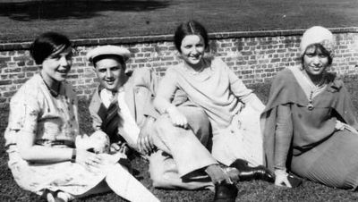 Helen, Louis, Goldie, and Ann, Mt Vernon, 1928