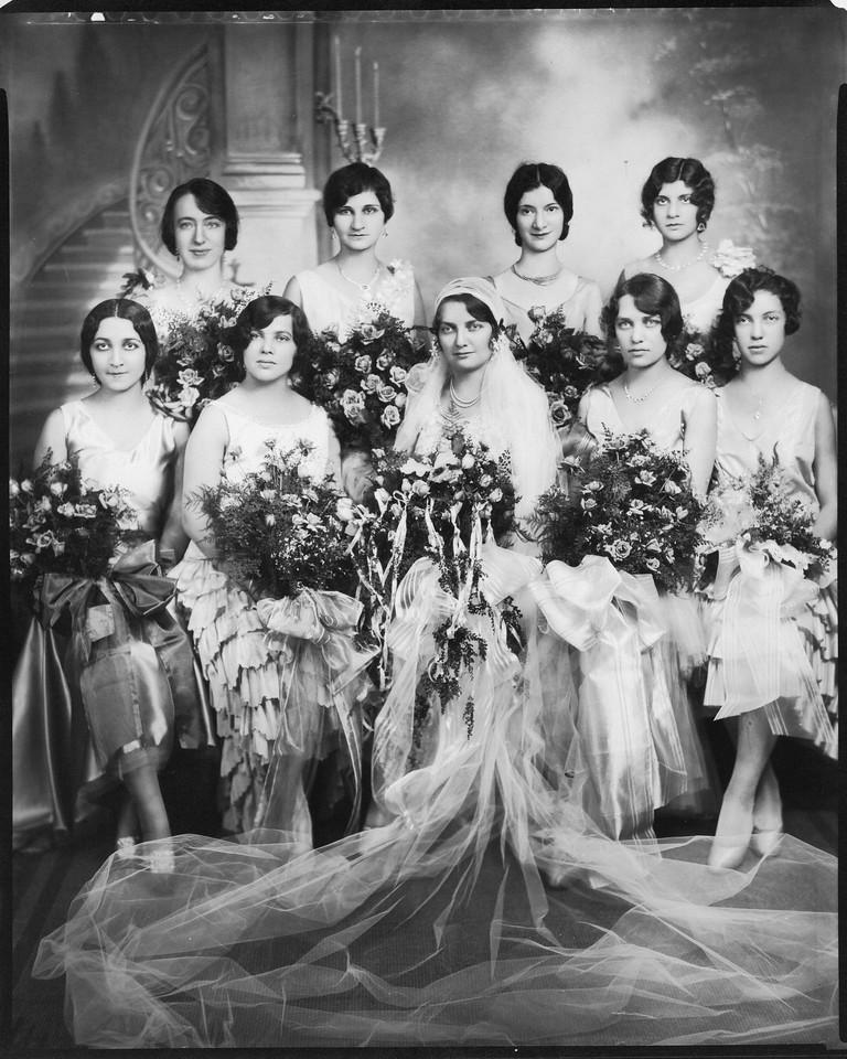 Goldie's Wedding<br /> ?, Sonia, Helen, ?, Goldie, ?, Ann, ?, Esther