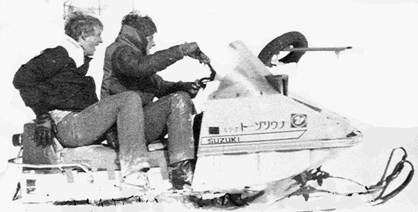 tom_jack_snowmobile_japan