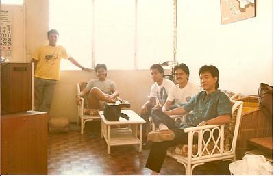 Me, Benjie, Allan, Bong and Alex in Ongpin