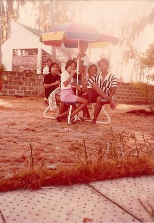 Maries, Leslie, Me, Guada and Nikki