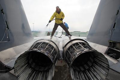 Washing F-15