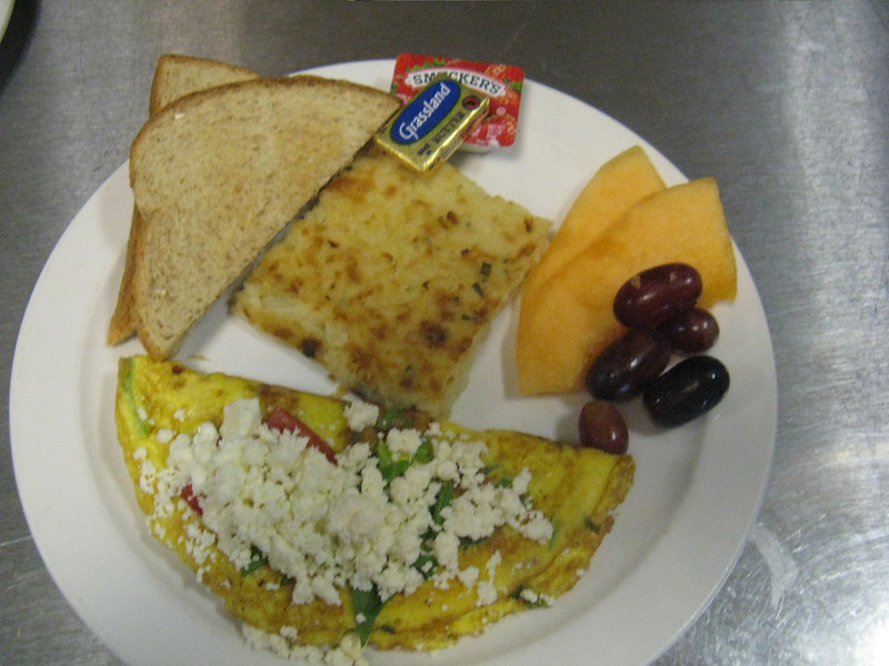 Spinach, Tomato, and Feta Omelet